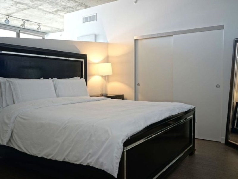 Beautiful 1 Bed 1 Bath Apartment - Image 1 - Venice Beach - rentals