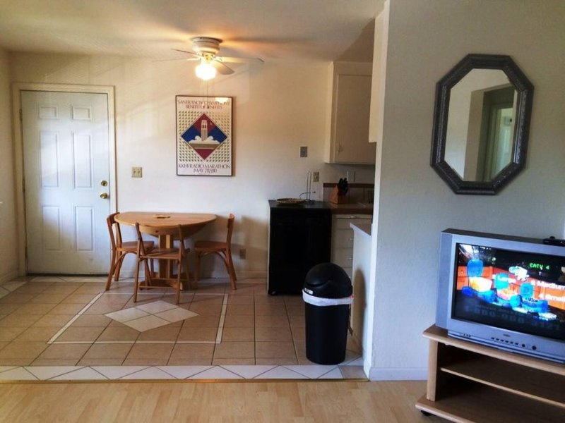STUNNING 1 BEDROOM APARTMENT IN SANTA CLARA - Image 1 - Santa Clara - rentals