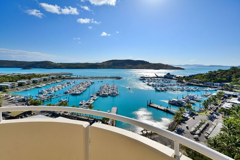 Exclusive Yacht Harbour Tower Luxury Sub Penthouse 10 - Image 1 - Hamilton Island - rentals