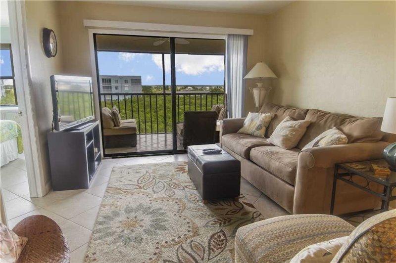 Estero Cove 352, 2 Bedrooms, 5th Floor, Elevator, Heated Pool, Sleeps 4 - Image 1 - Fort Myers Beach - rentals