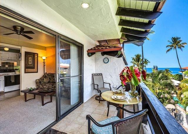 Lanai with Ocean Views - Ocean Views, AC, WiFi - Casa De Emdeko 306 - Kailua-Kona - rentals