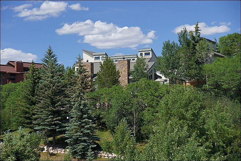 Exterior View of this Large, Luxurious Duplex Home - Less than 100 Yards to the Slopes - Private Shuttle Service in Winter Season (1452) - Steamboat Springs - rentals