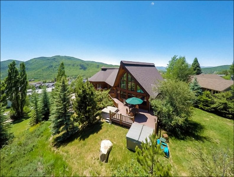 Exterior View of this Massive, Beautifully Renovated Luxury Home. - Two Great Rooms, Deck with TWO Hot Tubs, Pool Table, & Full Bar - Panoramic Views of Both Ski Mountains (2628) - Steamboat Springs - rentals