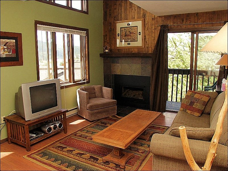 Main Living Room with Pull Out Couch, Fireplace, Balcony, TV, DVD, & Stereo, - Walking Distance to Slopes - Prices Negotiable for Longer Stays (2659) - Steamboat Springs - rentals