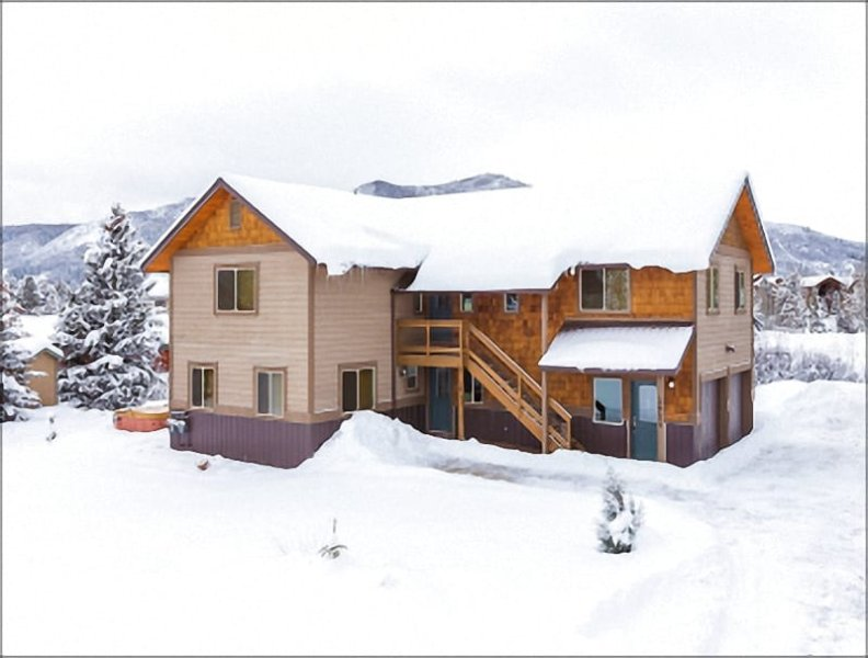 Exterior View of the Home in Winter - Upscale Property, Ideal for 2 Couples  - Beautifully Renovated Throughout (3508) - Steamboat Springs - rentals