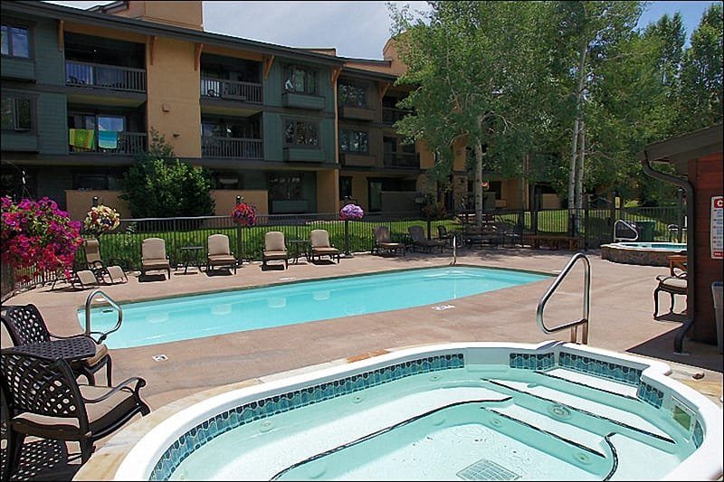 Heated Pool, 2 Hot Tubs, Clubhouse Sauna, Pool Table, Business & Fitness  Centers, Lounges - 135 Steps From Ski Access - Updated Throughout, Value Priced (3658) - Steamboat Springs - rentals