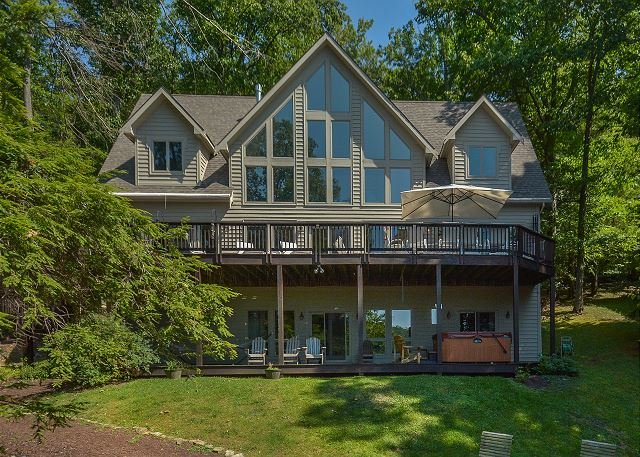 Exterior - Exquisite 5 Bedroom Luxury Lakefront home with private dock & hot tub! - Oakland - rentals