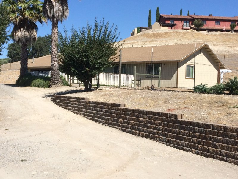 Street side of Farmhouse - The Farmhouse - Vacation Rental - Paso Robles - rentals