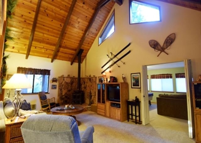 Great Room - 4 Bedrooms plus a Loft, Great room AND Rec room in a quiet area of Arnold CA - Arnold - rentals