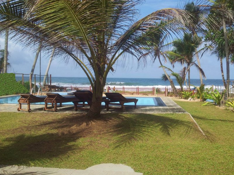 The beachfront garden with beautiful direct Indian Ocean views! - Tropical Beach House, Hikkaduwa - Hikkaduwa - rentals