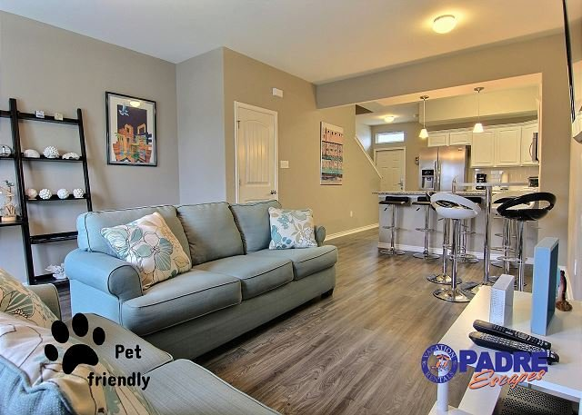 Spacious living area that's open to the kitchen and dining area - Recently added Vacation Rental property in the luxurious Nemo Cay Resort! - Corpus Christi - rentals