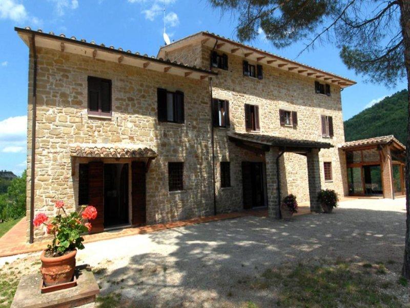 11 bedroom Villa in Giomici, Umbria, Italy : ref 2269527 - Image 1 - Casacastalda - rentals