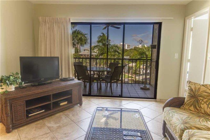 Santa Maria 200, 3 Bedroom, Corner Unit, Heated Pool, Hot Tub, Sleeps 6 - Image 1 - Fort Myers Beach - rentals