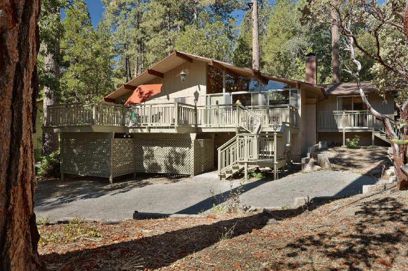 "Front of Home & Parking - Charming ""Cedar Glen"" Mountain View Home - Idyllwild - rentals"