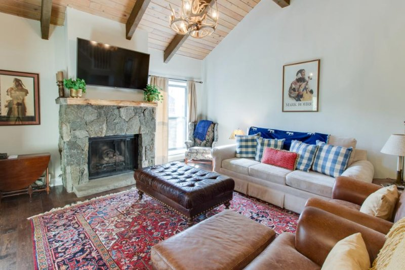 Newly renovated condo with shared pool and hot tub- and on the bus line! - Image 1 - Vail - rentals