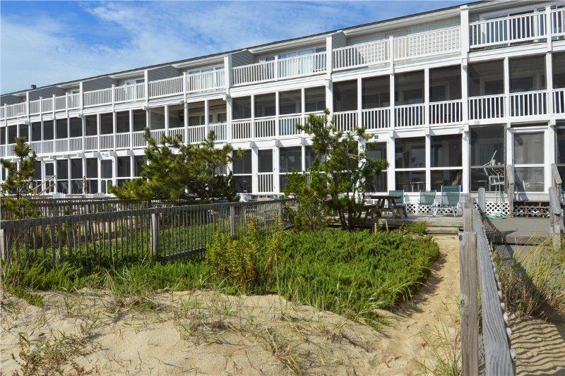 Atlantic Watergate 10 - Image 1 - Cedar Neck - rentals