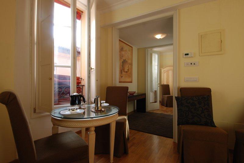 Elegant 1bdr apt in city centre - Image 1 - Bologna - rentals