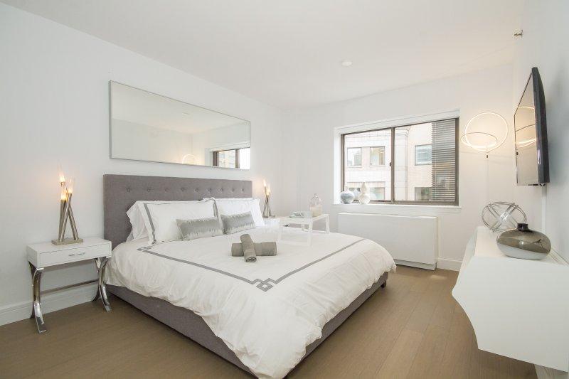 Midtown West 2BDR 2BATH Apt! #9094 - Image 1 - Manhattan - rentals