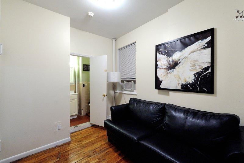 UES 2Bdr 1Bath Apt!  8263 - Image 1 - Manhattan - rentals