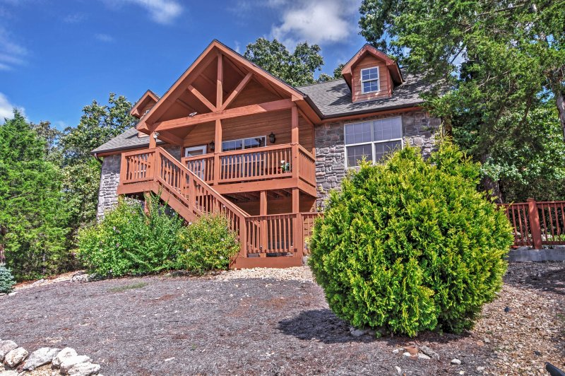 Large 1200 square foot 2 bedroom and 2 bathroom lodge - Beautiful Spacious Lodge at Stonebridge Village! - Branson - rentals