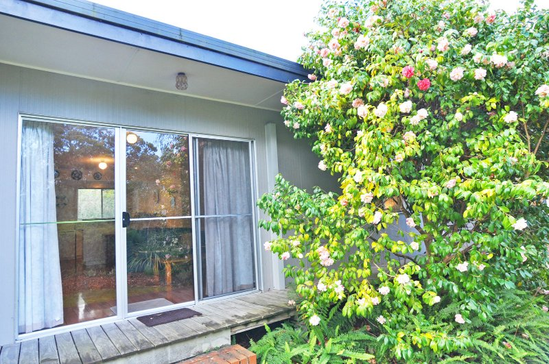 WINGARA - 1 MINUTE WALK TO BEACH - Image 1 - Inverloch - rentals