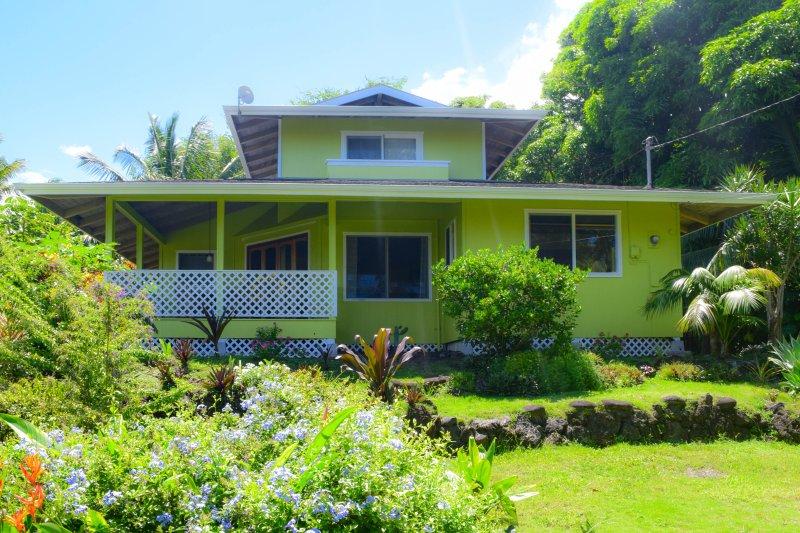 Hale Kupu in Kehena Beach Estates is less than a block from the ocean! - Hale Kupu - Pahoa - rentals