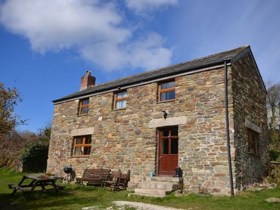 View towards the property which dates back to the 18th Century - LITTR - Cornwall - rentals