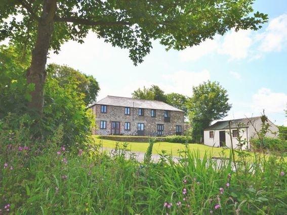 View towards the property - LTREG - Otterham - rentals