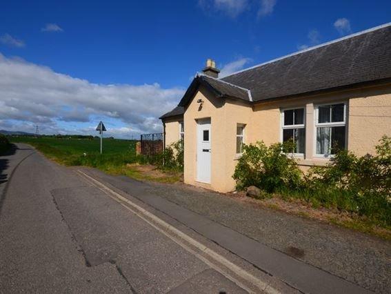 Looking towards the property  - E1969 - Midlothian - rentals