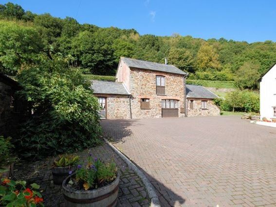 View towards the property - FCH1206 - Buckland Brewer - rentals