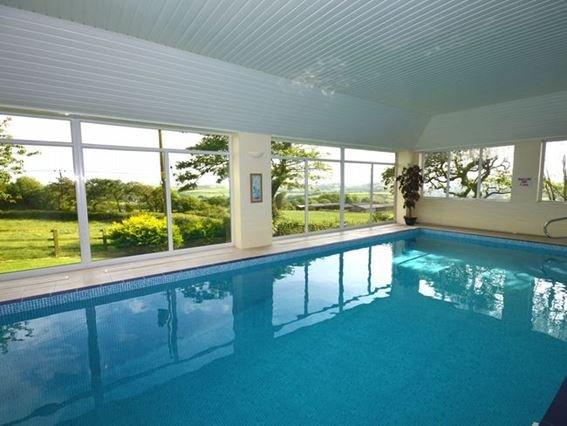 Private indoor heated swimming pool  - FCH12504 - Weare Giffard - rentals