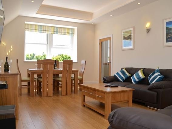 Lounge/diner with large flatscreen TV and access to balcony - PARNV - Cadgwith - rentals