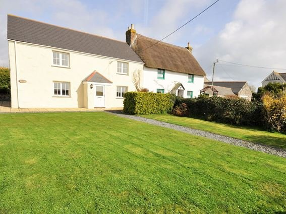 The property has views towards the Lizard lighthouse - TRENO - Cadgwith - rentals