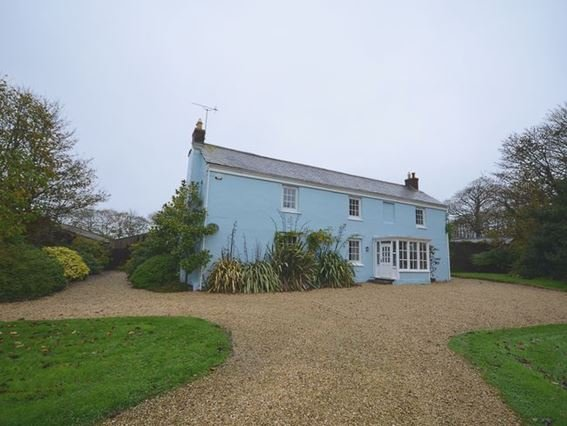 View towards the 200 year old detached farmhouse - TRETM - Cornwall - rentals