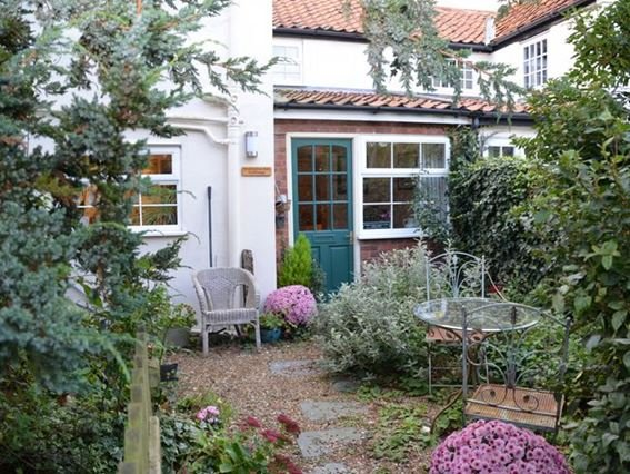 View towards the rear of the cottage - HSON8 - Worstead - rentals