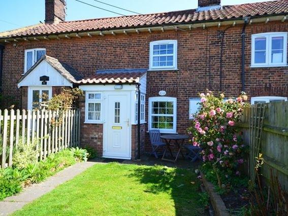 View towards the property - PEBN8 - Northrepps - rentals