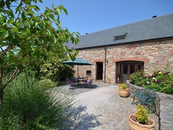 View towards the property - HOUSE - Broadhempston - rentals
