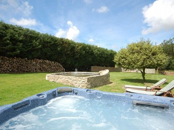 Shared garden and hot tub  - THOGN - Cornwall - rentals