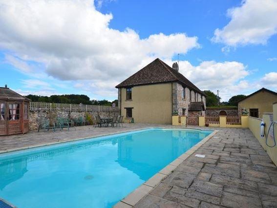 View towards the shared swimming pool - DAHAR - Bickington - rentals