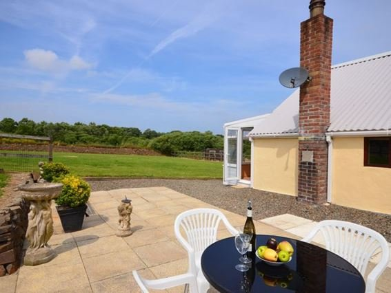 View towards the property and private garden - MAYFB - Cornwall - rentals