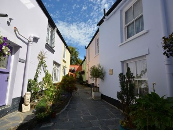 View towards the pretty shared courtyard - HCOTT - Appledore - rentals