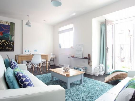 Open-plan living space with Juliet balcony - FCH26872 - Cornwall - rentals
