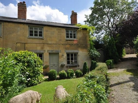 View towards the cottage - MSCOT - Winchcombe - rentals