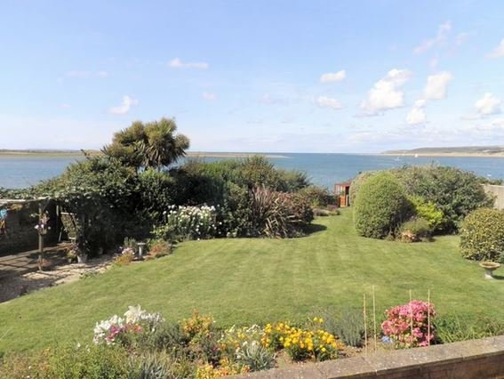 View from the conservatory to the sea beyond - 29028 - Appledore - rentals