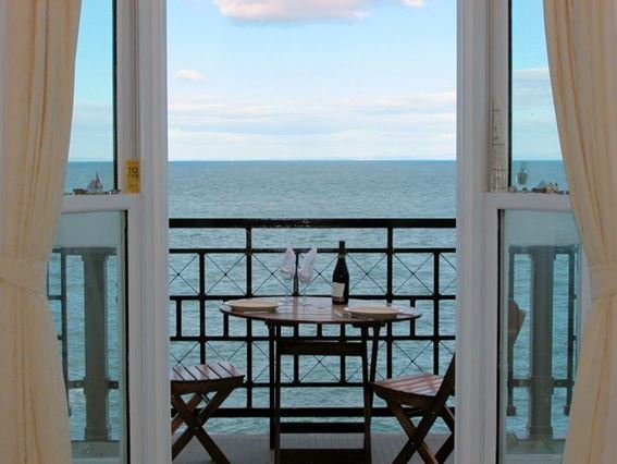 Sea views from the lounge - CLOSE - Ilfracombe - rentals