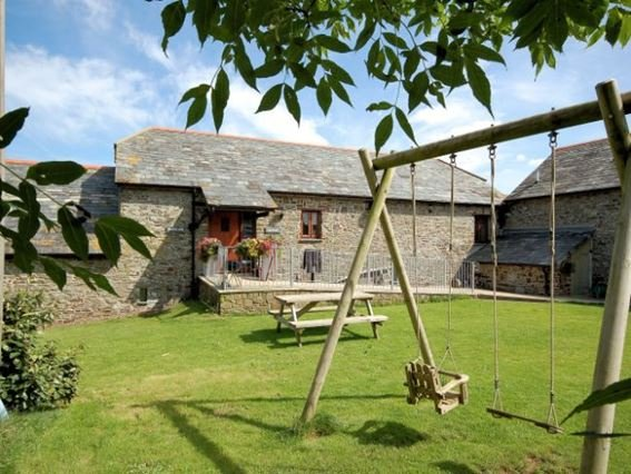 View towards the converted barn - FCH424 - Morwenstow - rentals
