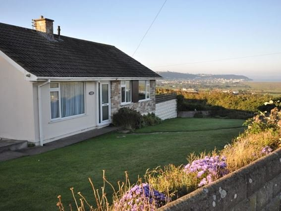 View towards the property - FCH4534 - Appledore - rentals