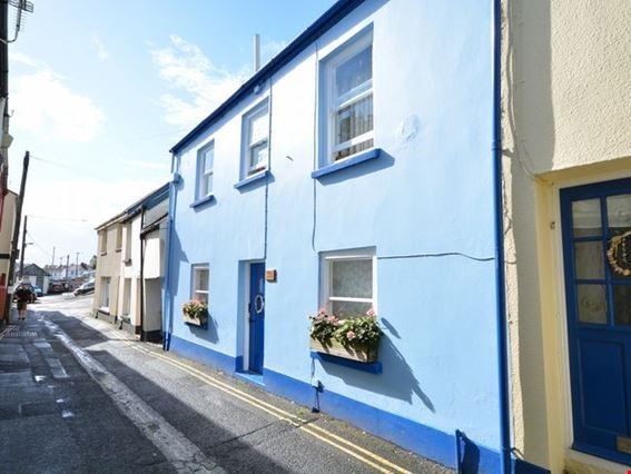 View towards the front of the cottage - FCH4550 - Appledore - rentals