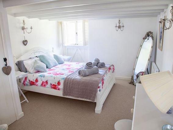 Beautiful super-king bedroom with en-suite bathroom - BODRE - Cornwall - rentals