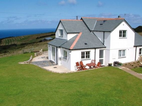 View towards the detached property - DINNA - St Teath - rentals